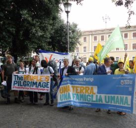 Da Roma a Parigi: Pellegrinaggio chiede giustizia climatica