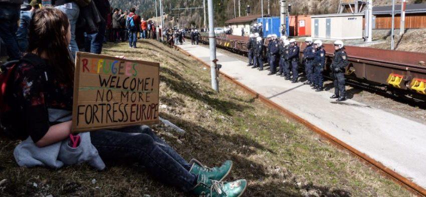 """L'Europa dei """"no borders"""" sfida l'Europa Fortezza"""
