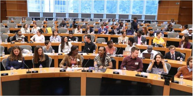 Un'associazione e un forum per dare voce ai giovani di tutto il mondo